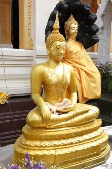 Statue idol Wat Traimit Bangkok