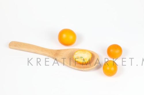 Kumquat ripe juicy small citrus sweet orangey fruit
