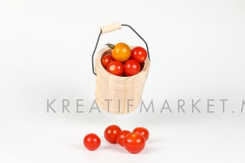 Fresh Ripe Tomato W04DEC18