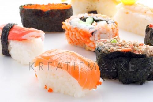 Salmon Egg Tuna Octopus Prawn Sushi W04DEC18