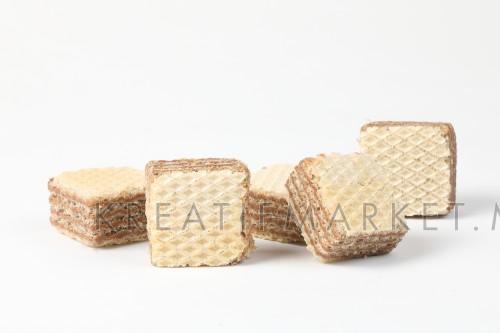 Wafer biscuit crunchy corrugated chocolate vanilla layer W04DEC